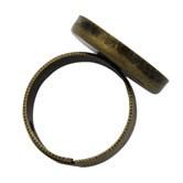 Кольцо с круглой платформой-чашей