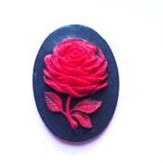 Камея  Роза красная  30х40 на черном