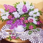 Рисунок на канве  Сирень в вазе