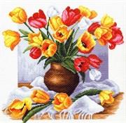 Рисунок на канве  Тюльпаны